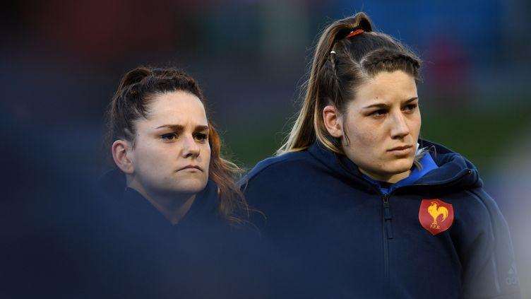 Gaëlle Hermet (à droite), capitaine du XV de France de rugby, le 16 mars 2018. (PAUL ELLIS / AFP)
