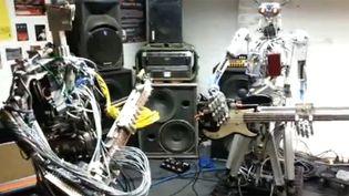 Fingers et Bones du groupe de robots Compressorhead.  (Compressorheadband.com)