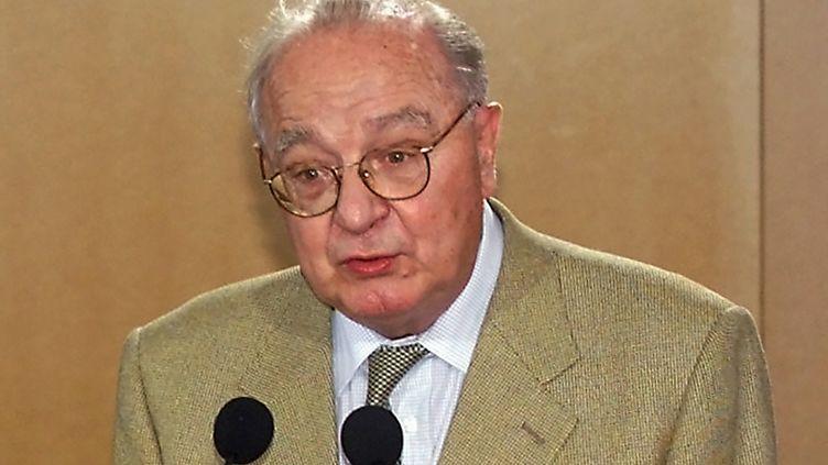 Pierre Viot en 2000, lors d'une conférence à Cannes. (GERARD JULIEN / AFP)