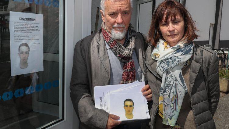 Cécile et Didier Noyer, les parents d'Arthur Noyer, militaire disparu le 13 avril 2017. (MAXPPP)