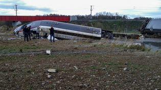 Un TGV d'essais reliant Paris à Strasbourg a déraillé au niveau de la commune d'Eckwersheim (Bas-Rhin), le 14 novembre 2015. (PAUL MUSER)