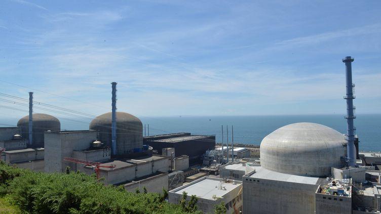 La centrale nucléaire de Flamanville (Manche), le 30 mai 2017. (MAXPPP)
