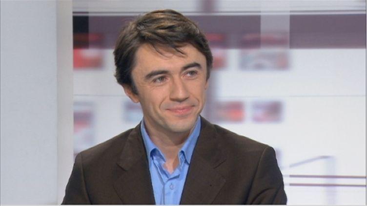 Yann Wehrling, porte-parole du Modem, mardi 27 décembre 2011, sur France 2. (France 2)