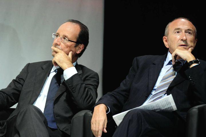 Le sénateur-maire de Lyon, Gérard Collomb (D), partisan du cumul des mandats, ici au côté de François Hollande, le 14 septembre 2011 à Villeurbanne (Rhône). (ALEXANDER ROTH-GRISARD / MAXPPP)