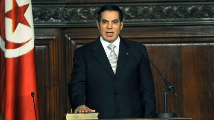 Le président déchu Zine El-Abidine Ben Ali, à l'Assemblée nationale, à Tunis (Tunisie), le 12 novembre 2009. (FETHI BELAID / AFP)