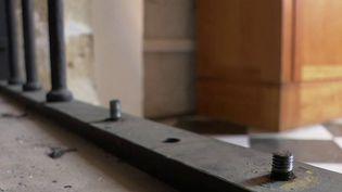 À Oloron-Sainte-Marie (Pyrénées-Atlantiques), la cathédrale de la commune a été la cible d'une attaque à la voiture bélier.Présent sur place, le journaliste de France 3 François Busson fait le point sur la situation. (FRANCE 2)