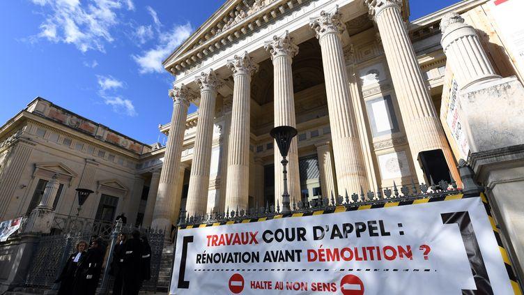 Le palais de justice de Nîmes (illustration). (PASCAL GUYOT / AFP)