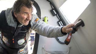 Le skipper Kito de Pavant avant le départ du Vendée Globe depuis les Sables-d'Olonne (Vendée), le 22 octobre 2016. (VINCENT CURUTCHET / DARK FRAME / AFP)