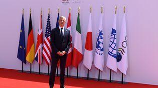 Bruno Le Maire, le ministre de l'Economie et des Finances lors de l'arrivée de ses homologues du G7, à Chantilly le 17 juillet 2019 (ERIC PIERMONT / AFP)