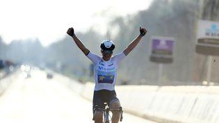 Annemiek van Vleuten a gagné le Tour des Flandres 2021, dimanche 4 avril, en solitaire. (DAVID PINTENS / BELGA)