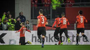 Benjamin Bourigeaud fête son but contre Arsenal, le 7 mars 2019, à Rennes. (LOIC VENANCE / AFP)