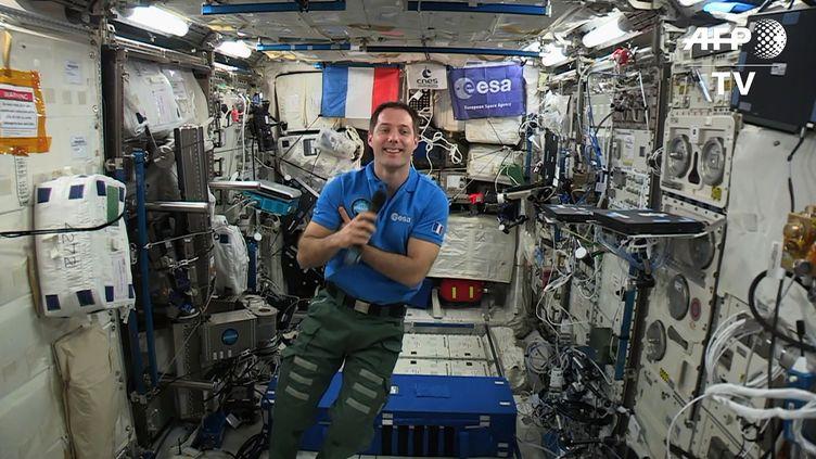Le spationaute Thomas Pesquet à bord de la Station spatiale internationale, vendredi 2 juin 2017. (STR / EUROPEAN SPACE AGENCY)