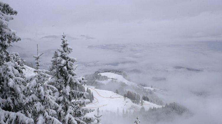 Le brouillard empêche la tenue de la course (ALEXANDER KLEIN / AFP)