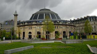 La Bourse de commerce côté jardin des Halles, en avril 2016.  (Eric feferberg / AFP)