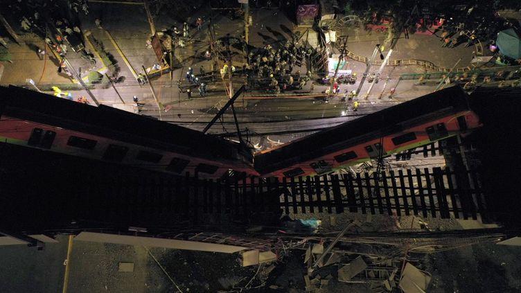 Une vue aérienne de l'accident de métro de Mexico (Mexique), le 3 mai 2021. (PEDRO PARDO / AFP)