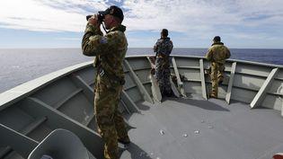 Les autorités australiennes cherchent des débris du vol MH370 dans l'océan Indien, lundi 7 avril 2014. (ABIS NICOLAS GONZALEZ / AUSTRALIAN DEFENCE / AFP)