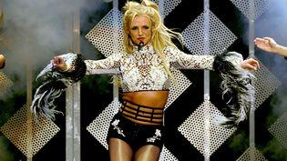 Britney Spears sur scène, le 2 décembre 2016, Los Angeles (Californie, Etats-Unis). (KEVIN WINTER / GETTY IMAGES / AFP)