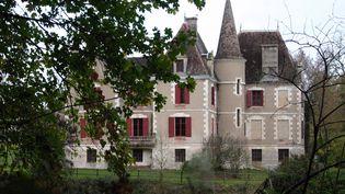 Le chateau de la famille de Védrines, à Monflanquin (Lot-et-Garonne), dont onze membres ont vécu reclus, victimes d'un gourou, de 2001 à 2008. (JEAN LOUIS AMELLA / MAXPPP)