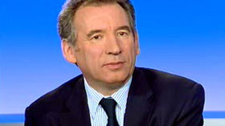 François Bayrou, invité du 19/20 sur France 3, le 14 mars 2007. (© F3)