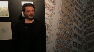 Gilles Rochier dans l'exposition qui lui est consacrée à Angoulême  (Laurence Houot / Culturebox)