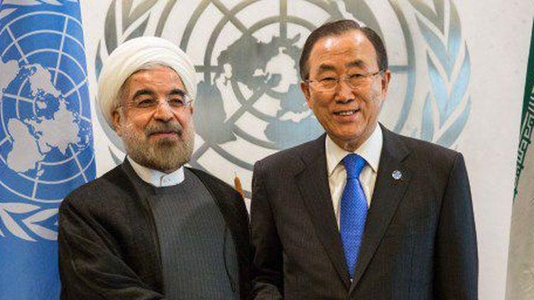 Le président iranien Hassan Rohani et le secrétaire général de l'ONU en 2013, lors d'une session de l'Onu à New York. (ANDREW BURTON / GETTY IMAGES NORTH AMERICA / AFP)