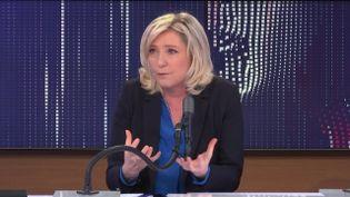 """Marine Le Pen, la présidente du Rassemblement national, était l'invitée du """"8h30franceinfo"""", mercredi 27janvier 2021. (FRANCEINFO / RADIOFRANCE)"""