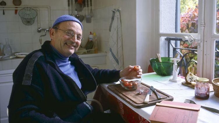 (L'écrivain Michel Tournier chez lui à Choisel, où il s'est éteint à 91 ans ce lundi soir.  © MaxPPP)