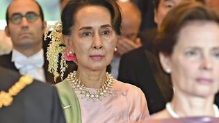 Aung San Suu Kyi lors d'une apparition à Tokyo (Japon), le 22 octobre 2019. (POOL FOR YOMIURI / YOMIURI / AFP)
