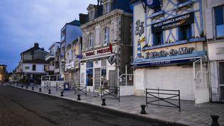 Les Sables-d'Olonne sous couvre-feu, en novembre 2020. (MAGALI COHEN / HANS LUCAS VIA AFP)