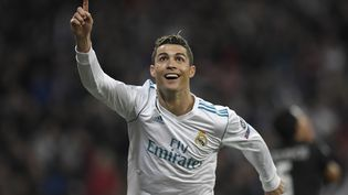 Cristiano Ronaldo célèbre un but lors du match du Real Madrid contre le Paris Saint-Germain, en ligue des Champions, le 14 février 2018. (GABRIEL BOUYS / AFP)