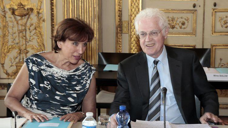 Roselyne Bachelot (à G.) et Lionel Jospin lors du premier jour de travail de lacommission de rénovation et de déontologie de la vie publique à Paris le 25 juillet 2012. (JACQUES DEMARTHON / AFP)