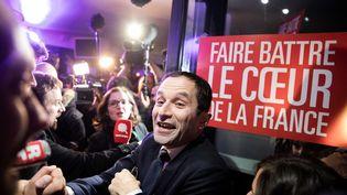 Benoît Hamon, vainqueur du premier tour de la primaire à gauche, le 22 janvier 2017 dans son QG, à Paris. (MAXPPP)