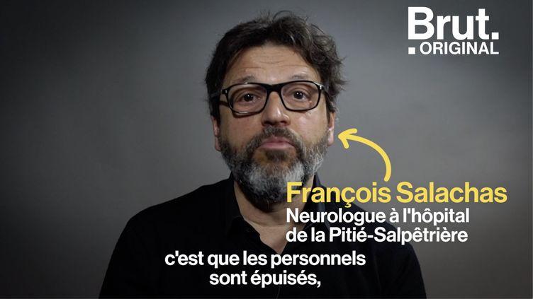 """VIDEO. """"L'hôpital flambe toujours"""", estime le neurologue François Salachas (BRUT)"""