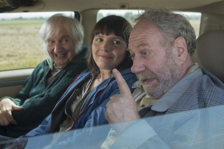 Rosette (Candy Ming) entre René (Simon André) et Bibi (Jackie Berroyer)  (DR)