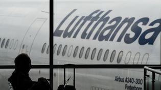 Lufthansa savait qu'Andreas Lubitz avait mis sa formation entre parenthèses pendant plusieurs mois après un épisode dépressif. (ARNE DEDERT / DPA / AFP)