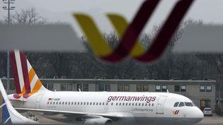 Un avion de la compagnieGermanwings (Lufthansa), le 12 février 2015. (FABRIZIO BENSCH / REUTERS)