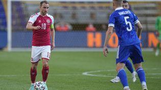 Le capitaine du Danemark Christian Eriksen ici en match amical face à laBosnie-Herzégovine le 6 juin dernier. (ULRIK PEDERSEN / NURPHOTO via AFP)