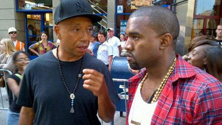 Kanye West et Russell Simmons viennent soutenir Occupy Wall Street le 10 octobre 2011.  (@UncleRush)