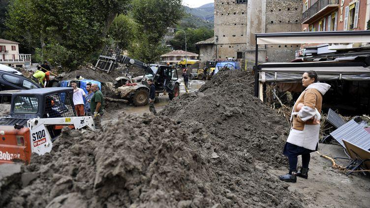 Les rues de Breil-sur-Roya (Alpes-Maritimes), le 4 octobre 2020, après une violente crue qui a inondé la ville. (NICOLAS TUCAT / AFP)