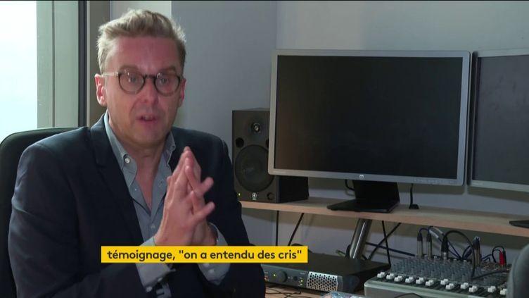 Luc Hermann, l'un des co-fondateurs de l'agence Premières Lignes, dont deux collaborateurs ont été blessés dans l'attaque à l'arme blanche près des anciens locaux de Charlie Hebdo, vendredi 25 septembre, a accepté de témoigner auprès des équipes de France Télévisions. (FRANCEINFO)