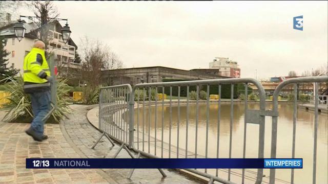 Inondations dans le Val-de-Marne : à la rencontre des plaisanciers