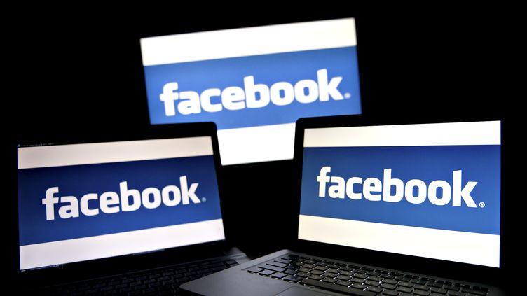 Facebook mise sur les applications pour devenir une tour de contrôle du web, suivant l'activité de chacun sur la toile. (DANIEL ACKER / BLOOMBERG / GETTY IMAGES)
