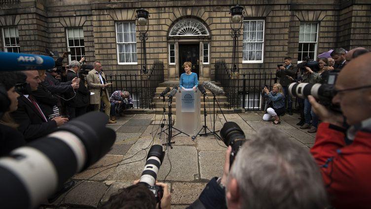 La Première ministre de l'Ecosse,Nicola Sturgeon, le 25 juin 2016 à Edimbourg après une réunion d'urgence sur le Brexit. (OLI SCARFF / AFP)