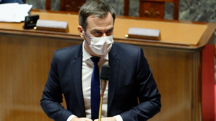 Le ministre de la Santé, Olivier Véran, à l'Assemblée nationale, à Paris, le 10 mai 2021. (DANIEL PIER / NURPHOTO / AFP)
