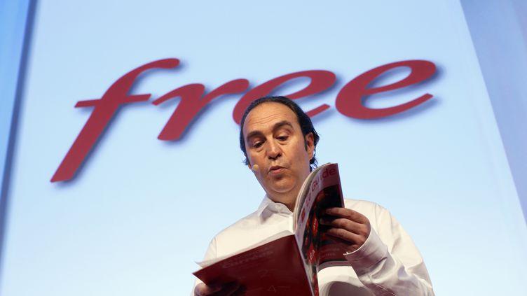 Le patron de Free, Xavier Niel, présente l'offre Free Mobile, le 10 janvier 2012 à Paris. (THOMAS COEX / AFP)