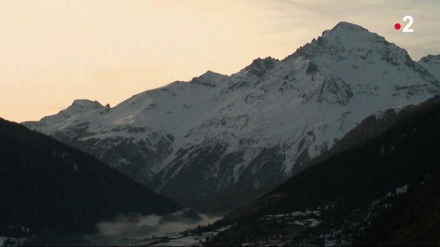 Sports d'hiver : sans leurs skis, des touristes découvrent la montagne autrement