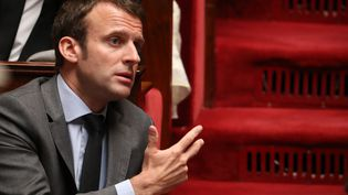 Le ministre de l'Economie, Emmanuel Macron, le 18 mai 2016 à l'Assemblée nationale (Paris). (KENZO TRIBOUILLARD / AFP)