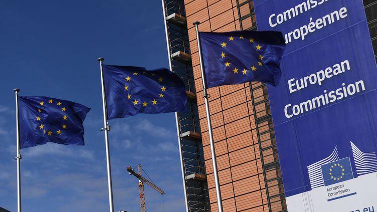 Les bureaux de la Commission européenne à Bruxelles (Belgique), le 14 mars 2018. (EMMANUEL DUNAND / AFP)