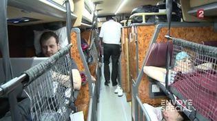 Envoyé spécial. Une (bonne) nuit en autocar-couchettes. Megabus de nuit (ENVOYÉ SPÉCIAL  / FRANCE 2)