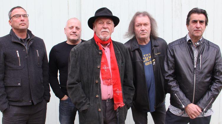Le groupe dans sa formation actuelle, avec le fondateur, Gary Brooker, au centre (Bobby Davidson Gazza )